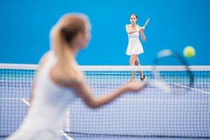 voy a jugar al tenis