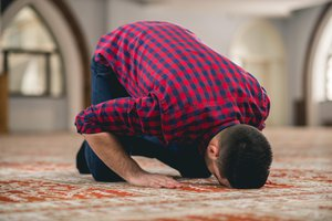 to prostrate oneself
