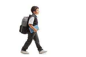 yo voy a la escuela