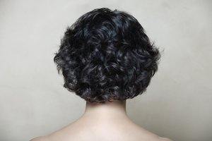 el pelo negro