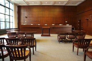 el tribunal