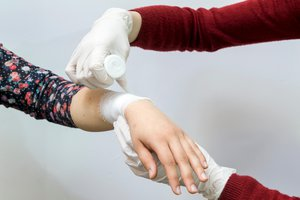 to bandage