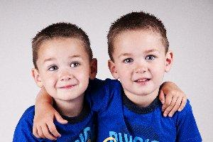 el gemelo, la gemela